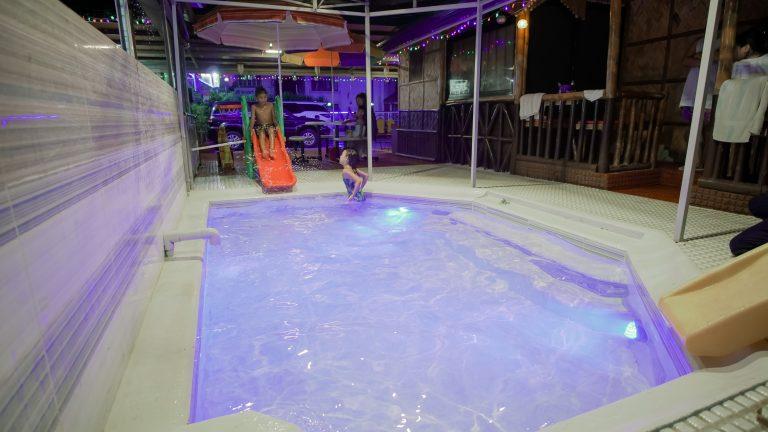 pool_kids